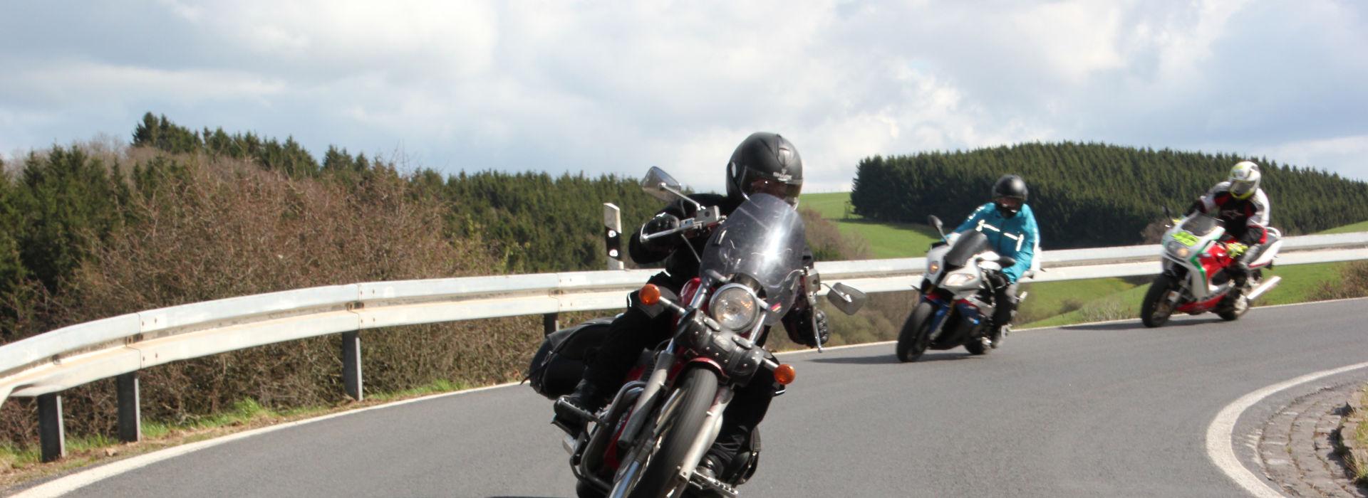 Motorrijschool Motorrijbewijspoint Raamsdonkveer motorrijlessen