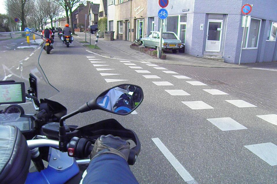 Motorrijbewijspoint Waalwijk theorie cursus online